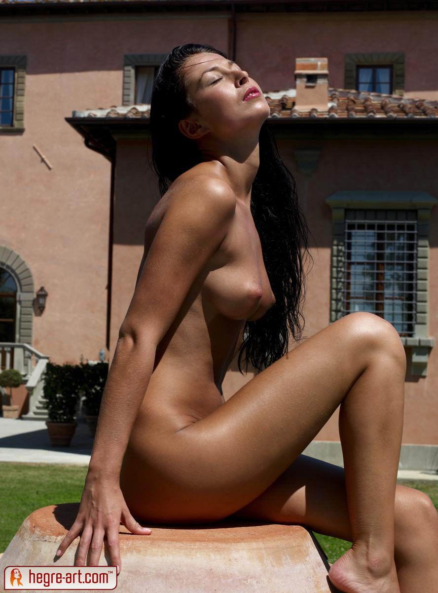 Обнаженные Итальянки Фото