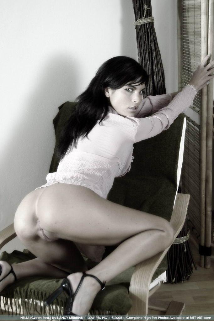 http://www.model-archive.com/met-art/nella/celebrity/metart-nella-03.jpg