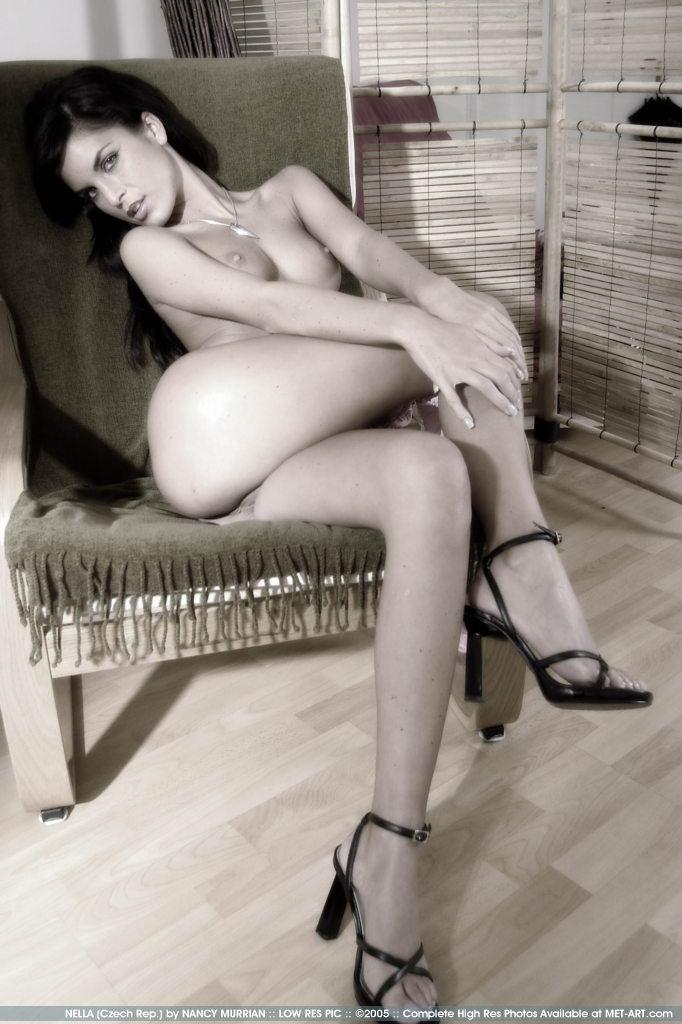 http://www.model-archive.com/met-art/nella/celebrity/metart-nella-13.jpg
