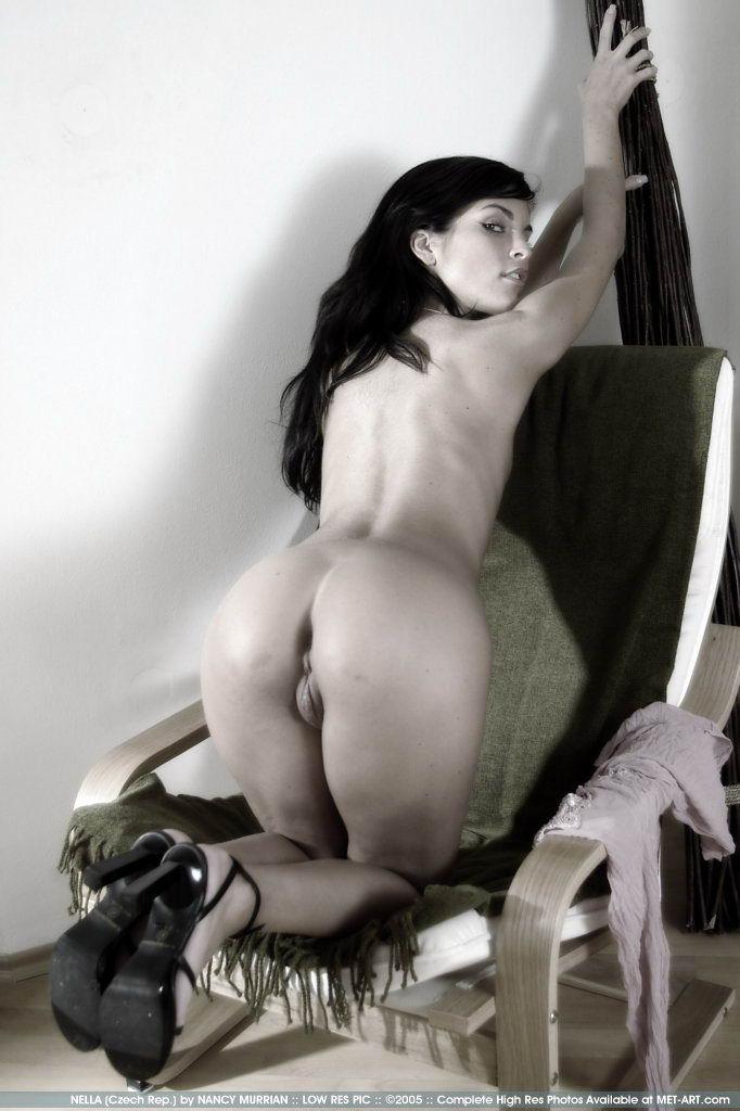 http://www.model-archive.com/met-art/nella/celebrity/metart-nella-16.jpg