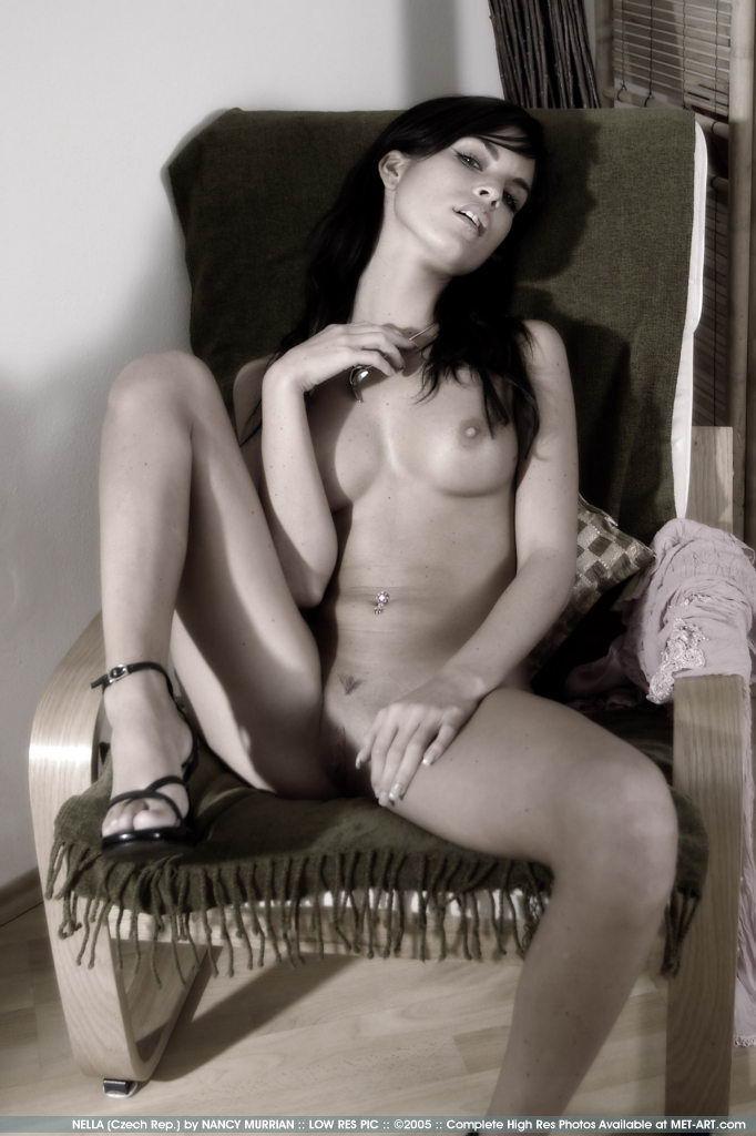 http://www.model-archive.com/met-art/nella/celebrity/metart-nella-20.jpg