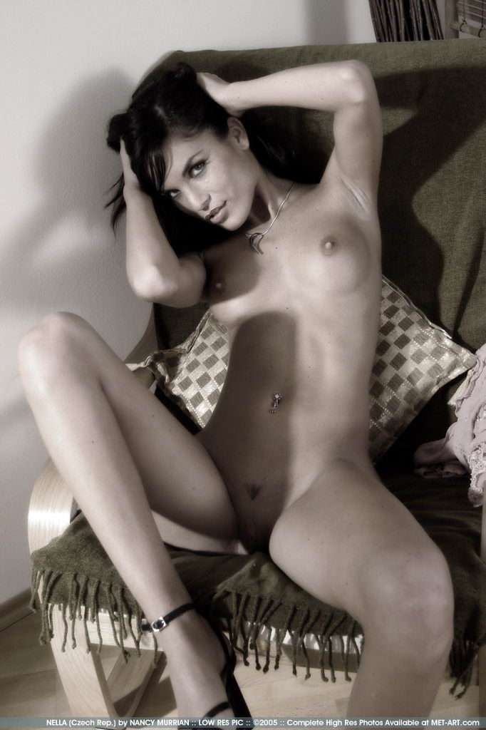 http://www.model-archive.com/met-art/nella/celebrity/metart-nella-26.jpg