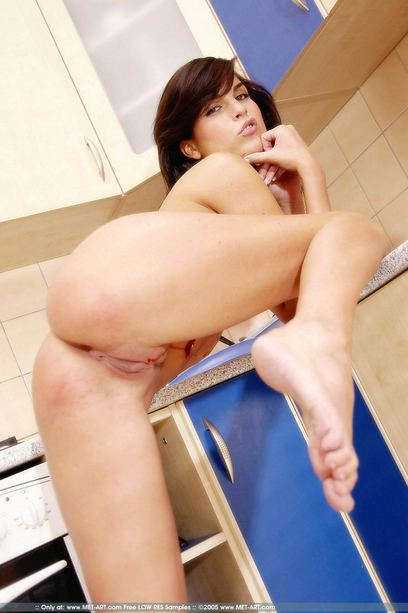 Nude Met Model Nella Aka Jana Miartusova Naked In Kitchen Playing With