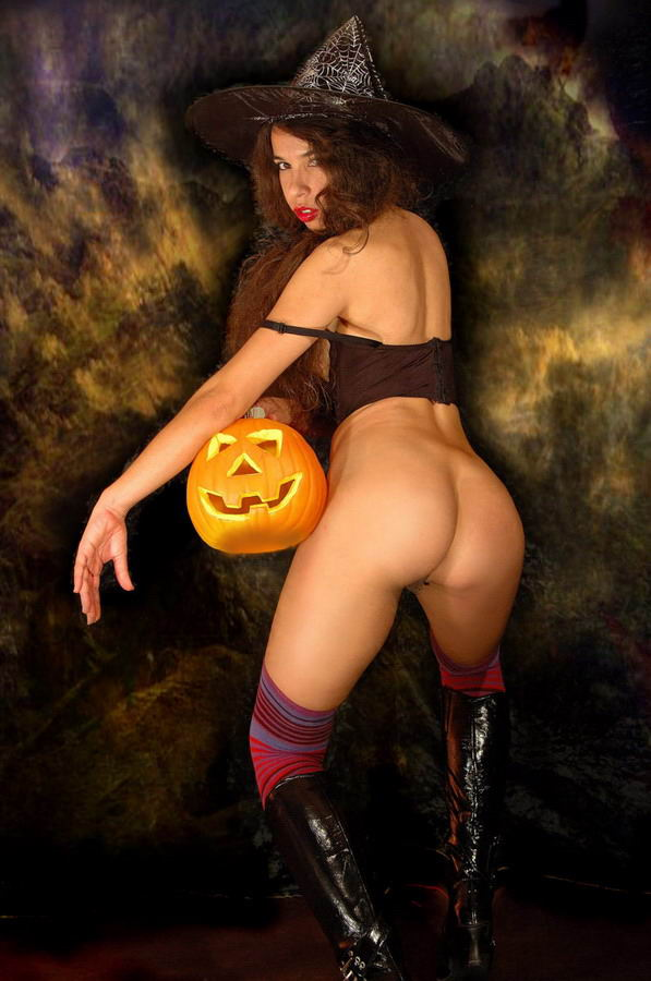 Halloween nude selfies